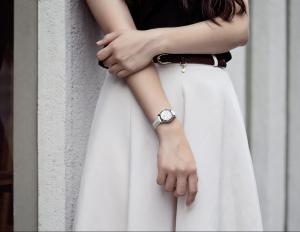 超實用春夏衣服和手錶的穿搭技巧,文青風、上班Look、出席盛會裝扮一網打盡!